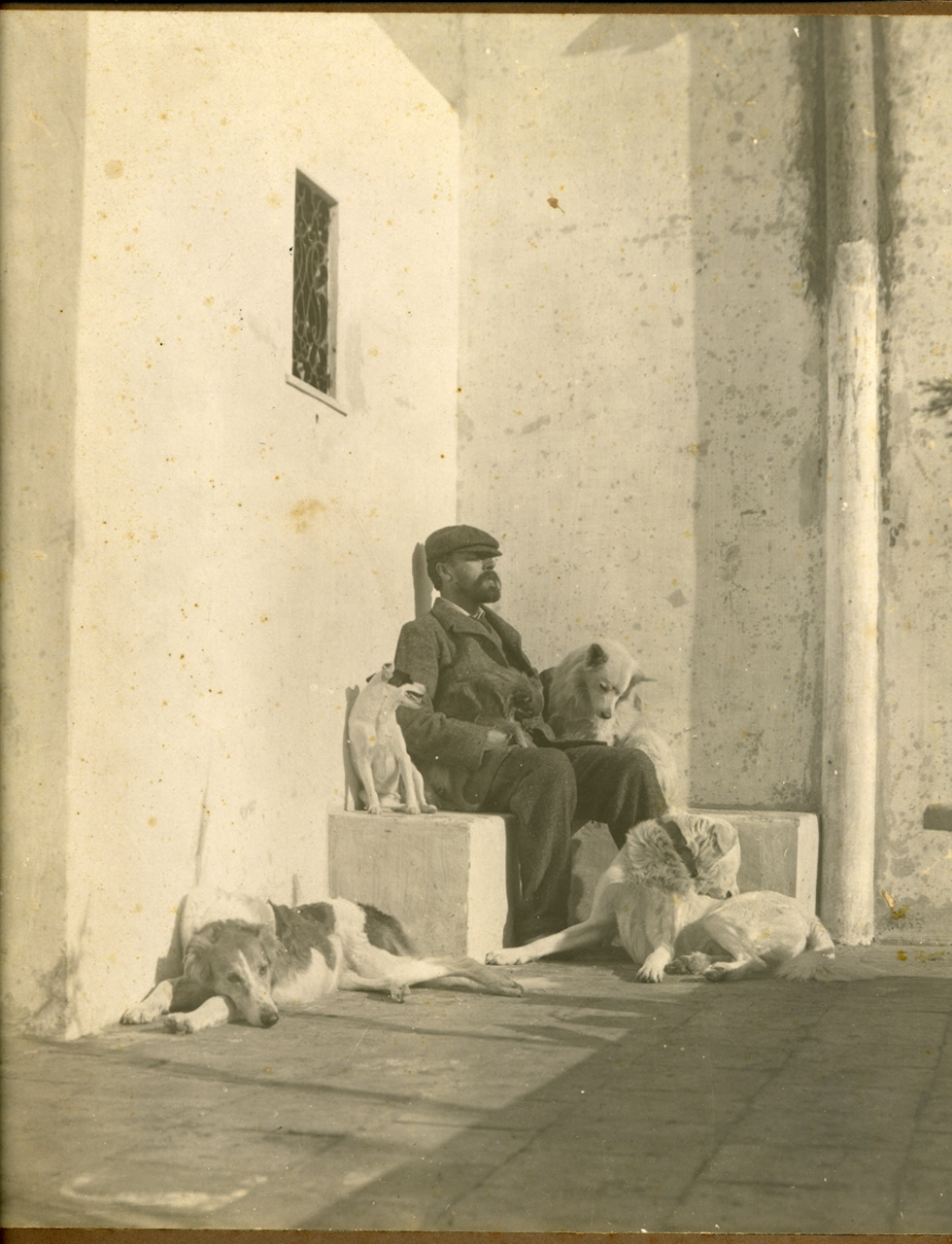 Munthe and his beloved dogs